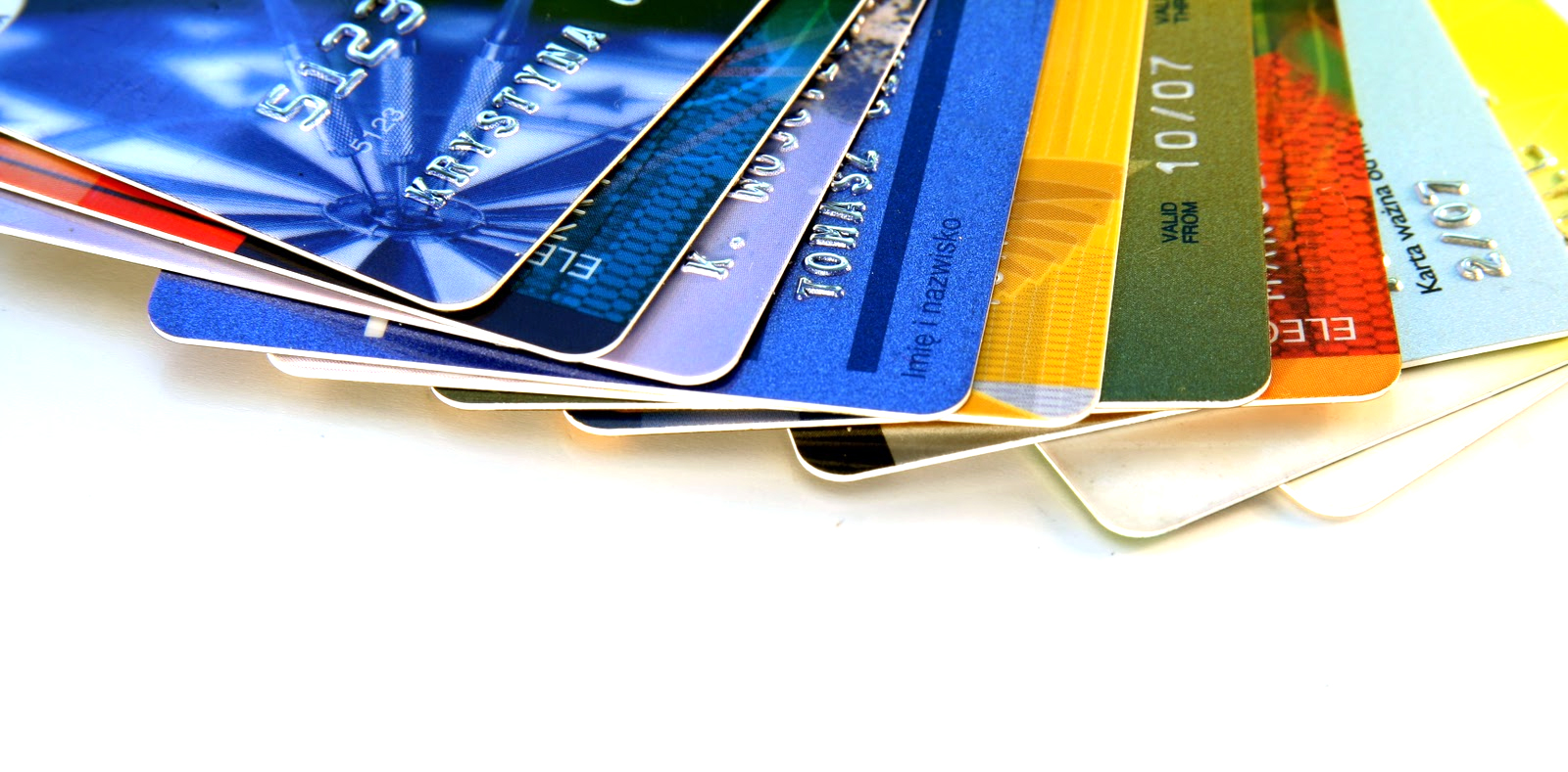 Pros and Cons of Living without a Credit Card
